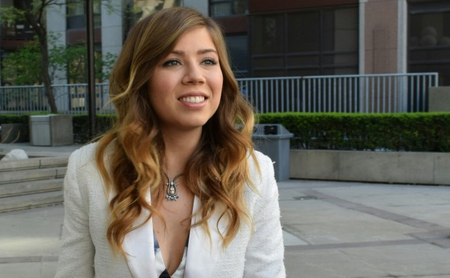 """#SPOTTED: JENNETTE MCCURDY IN TORONTO FOR """"BETWEEN"""""""