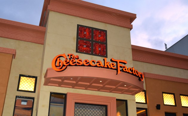 #FIRSTLOOK: THE CHEESECAKE FACTORY YORKDALE SHOPPING CENTRE